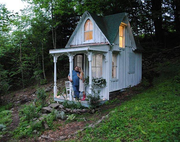 Tiny Victorian Cottage in the Catskills, New York3