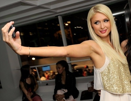 "Paris Hilton ""sweet focia"""